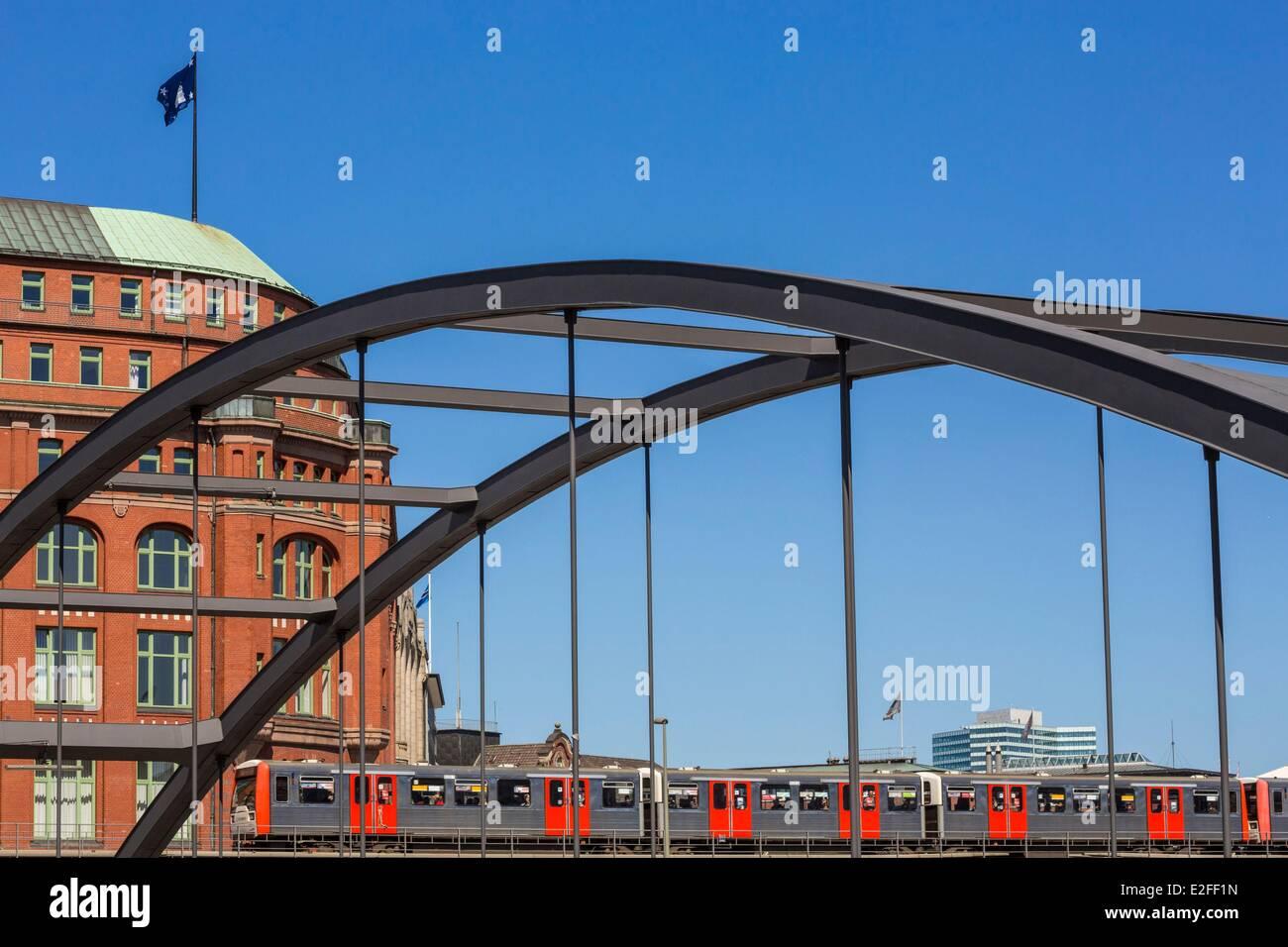 Deutschland, Hamburg, Altstadt, Baumwall mit Niederbaum Brücke Stockbild
