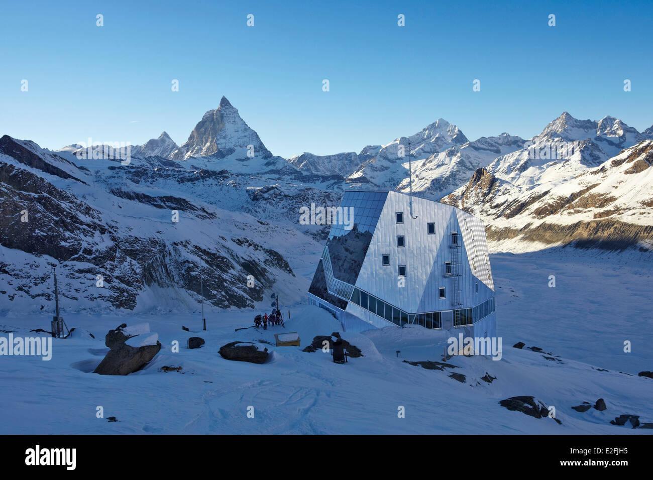 schweiz kanton wallis zermatt matterhorn 4478m und monte rosa h tte stockfoto bild. Black Bedroom Furniture Sets. Home Design Ideas