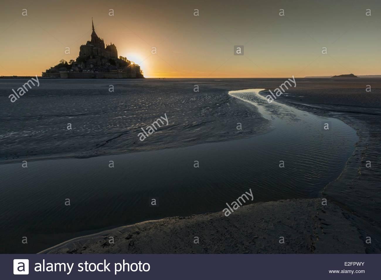 Frankreich Manche Bucht des Mont Saint Michel Weltkulturerbe von UNESCO Mont Saint Michel überquert die Bucht Stockbild