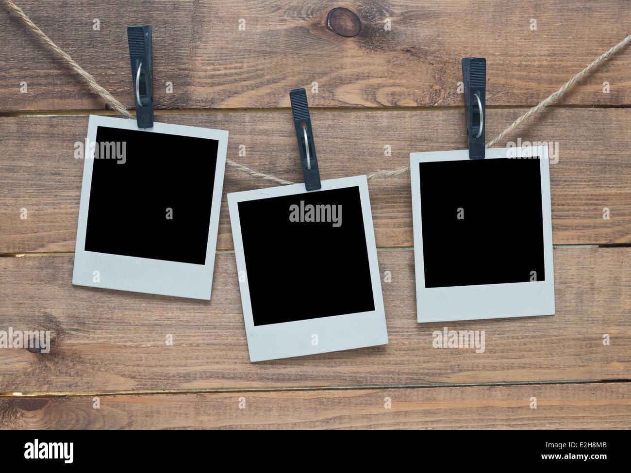 leere Polaroid-Foto-Rahmen auf hölzernen Hintergrund Stockfoto, Bild ...
