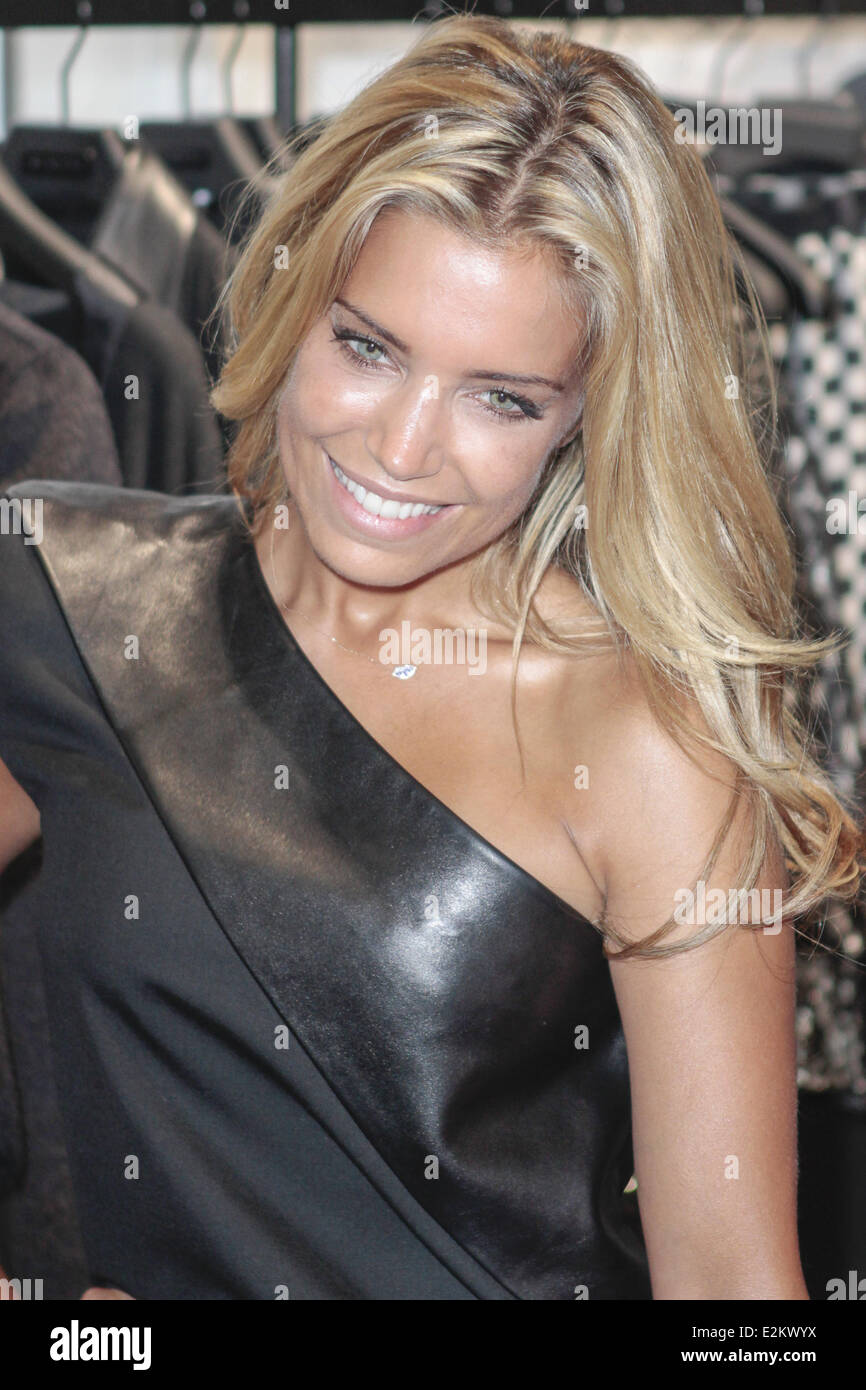 Sylvie Van Der Vaart During Stockfotos & Sylvie Van Der