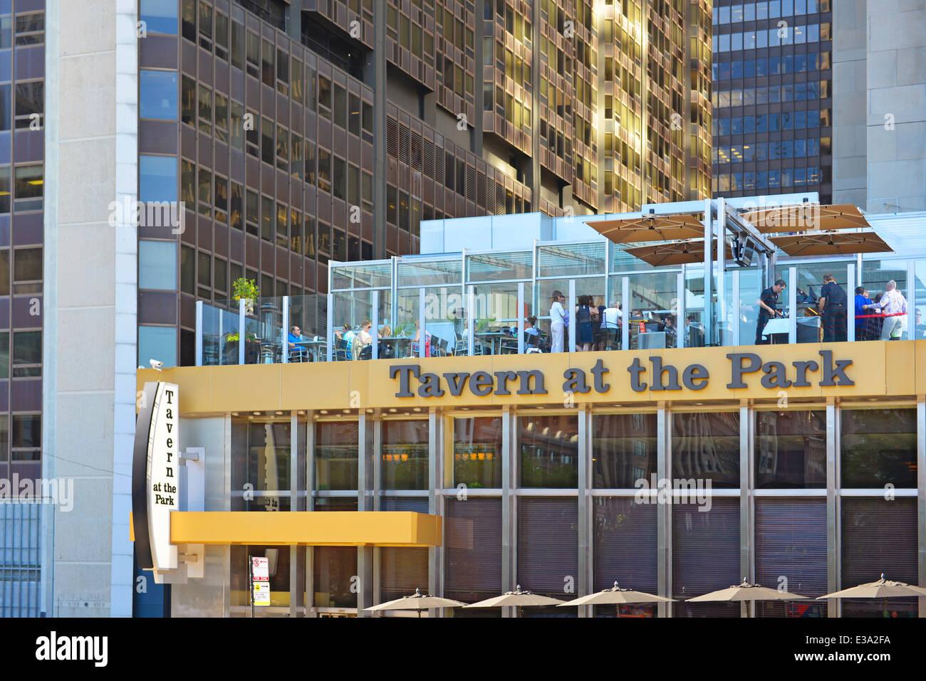 Taverne im Park, im Freien speisen, Steakhouse, Restaurant gegenüber vom Millennium Park, Chicago, Illinois, Stockbild