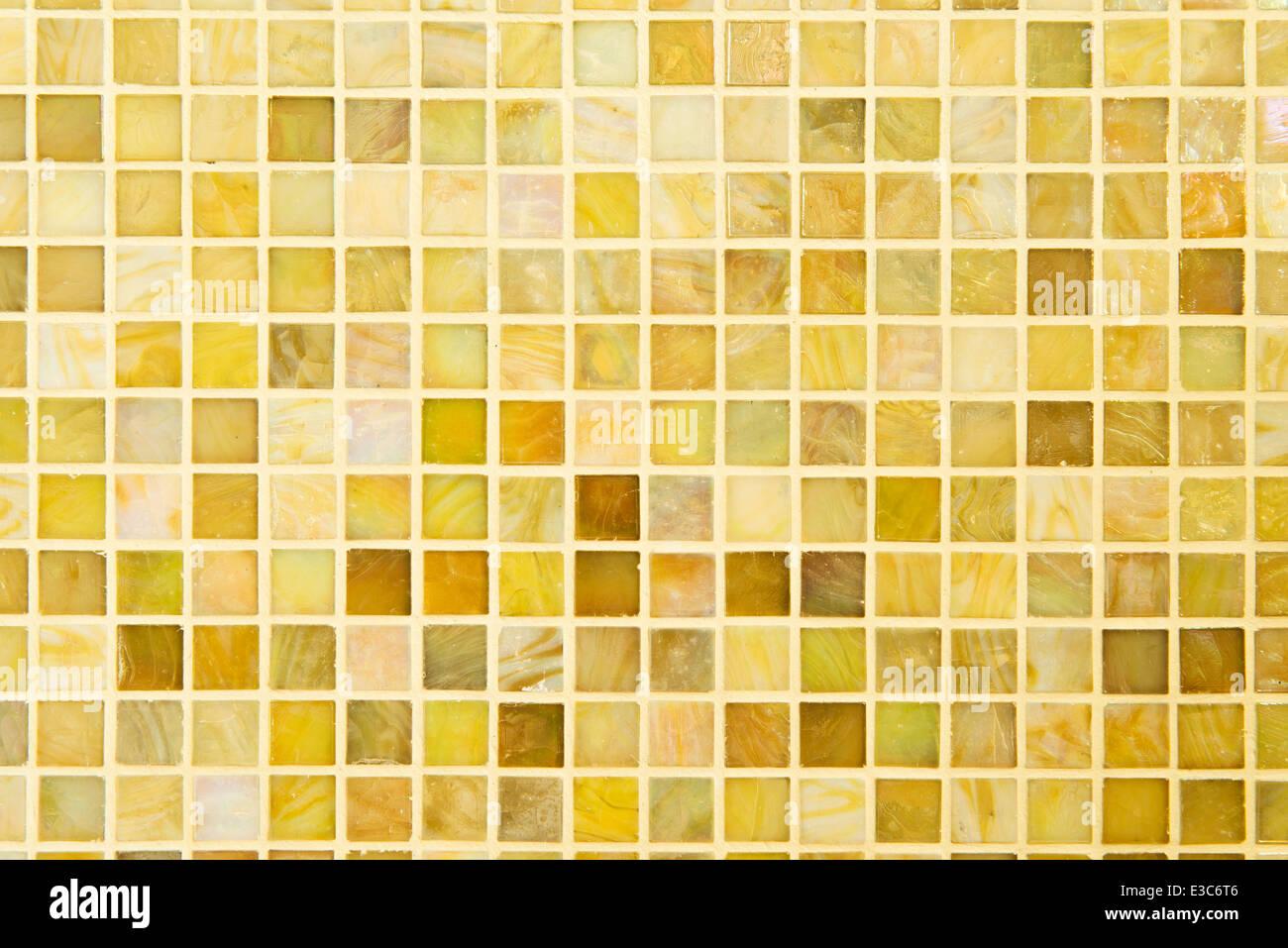 Textur: Schöne Gelbe Modernes Mosaik Fliesen An Wand.