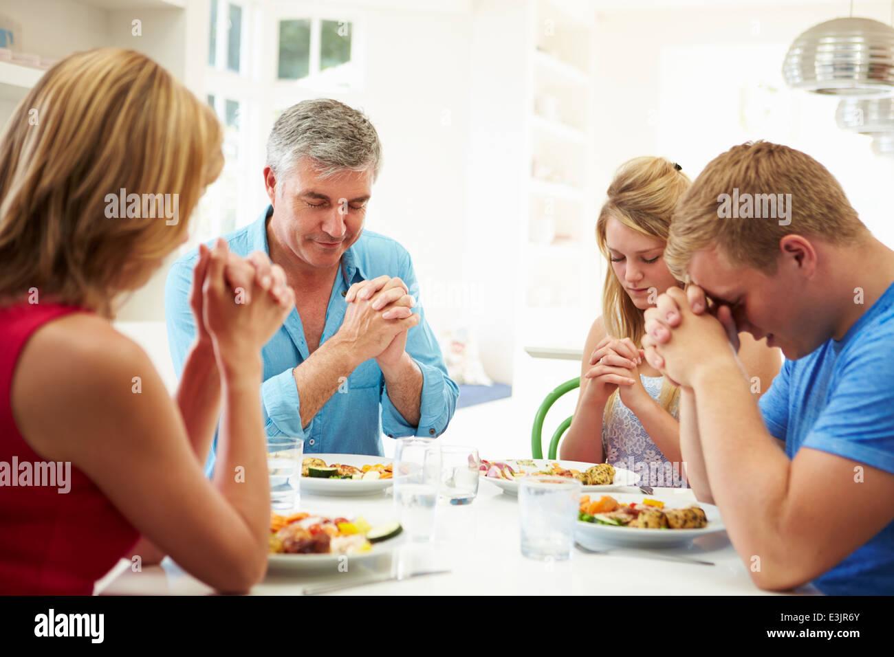 prayer stockfotos prayer bilder alamy. Black Bedroom Furniture Sets. Home Design Ideas