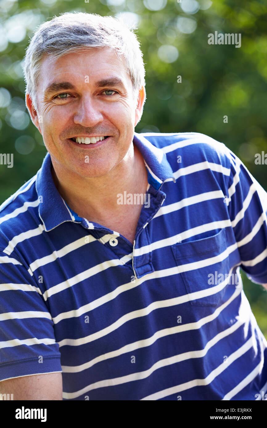 Outdoor Portrait des mittleren Alter Mann Stockfoto