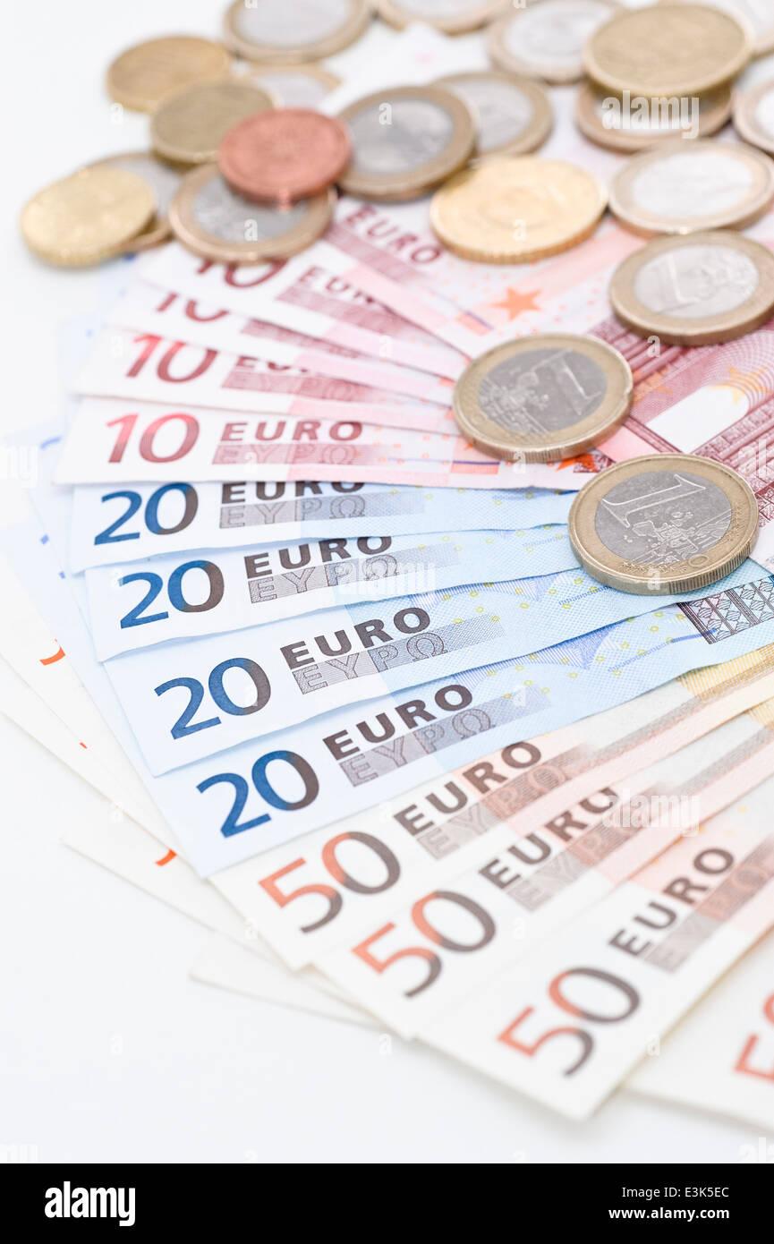 Euro Scheine Und Münzen Stockfoto Bild 71106852 Alamy