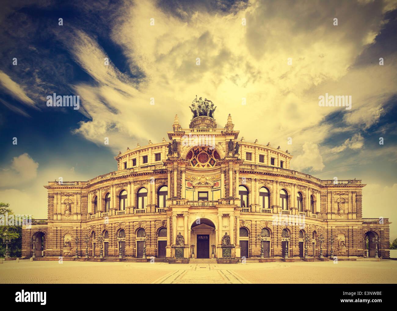 Dresdner Oper Theater, Deutschland, Retro-Vintage-Effekt. Stockbild