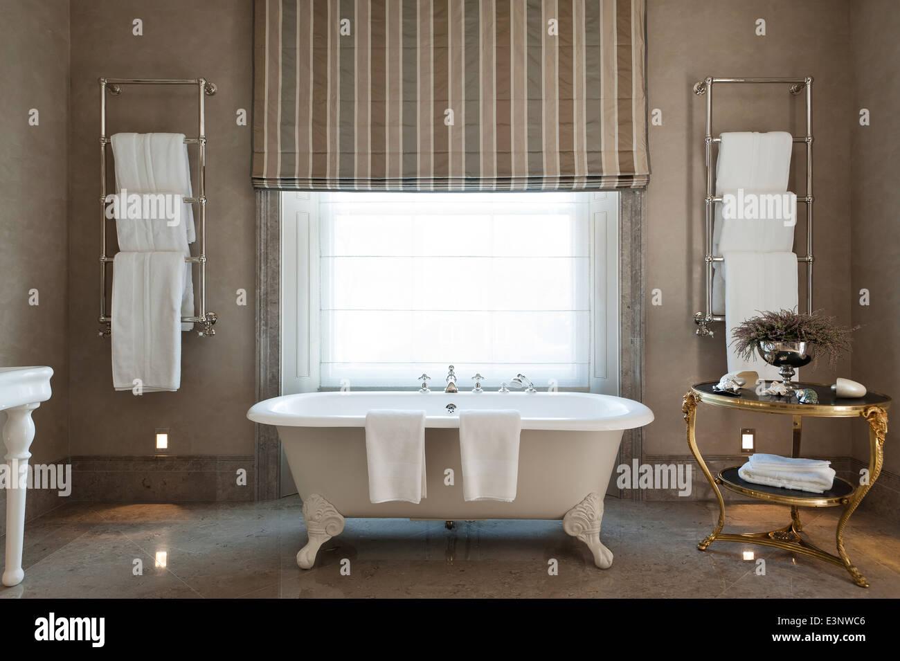 Warmer Fußboden Im Bad ~ Badheizung und badheizkörper so heizen sie richtig vaillant