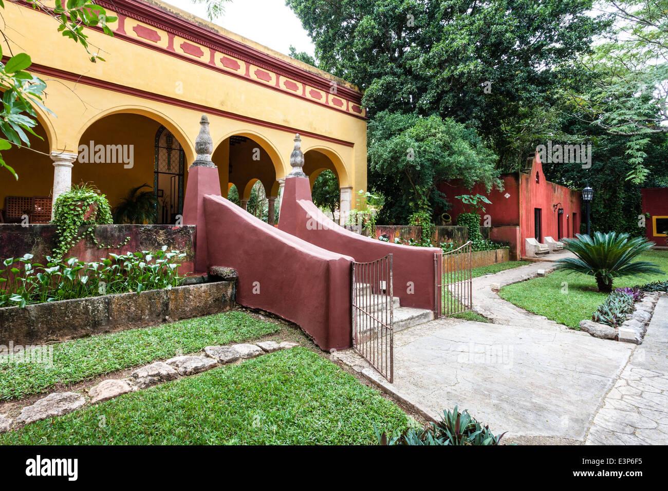 Eingang zur Hacienda misne in Merida, Yucatan, Mexiko. Stockbild