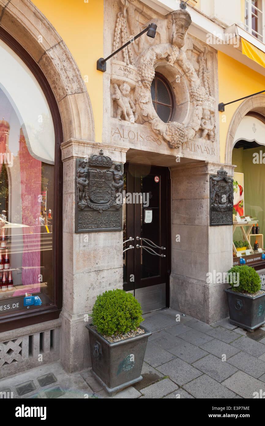 München, Alois Dallmayr-Shop und Restauranteingang - München, Bayern, Deutschland, Europa Stockbild