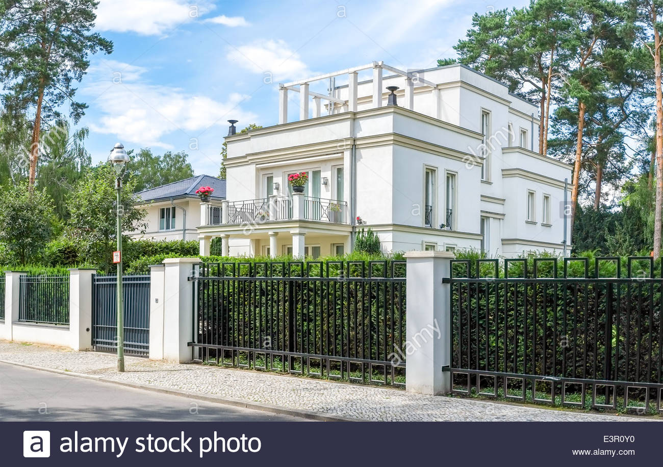 sch ne luxus apartment haus in berlin grunewald stockfoto bild 71191092 alamy. Black Bedroom Furniture Sets. Home Design Ideas