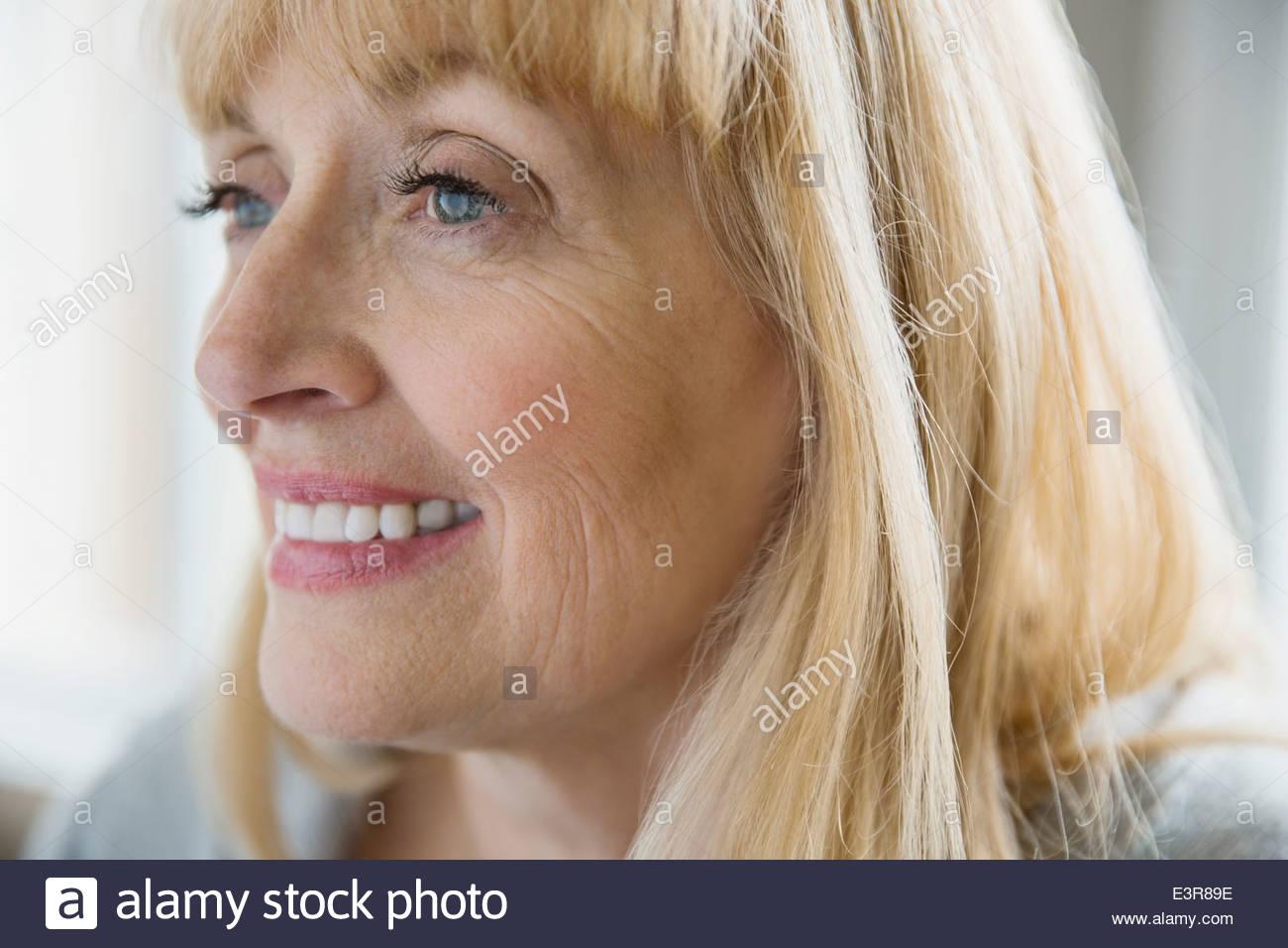 Nahaufnahme der lächelnde Frau Stockfoto