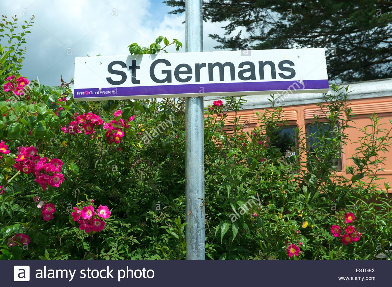 St.Germans - Railway Station Standort Zeichen, in Cornwall, Großbritannien. Stockbild
