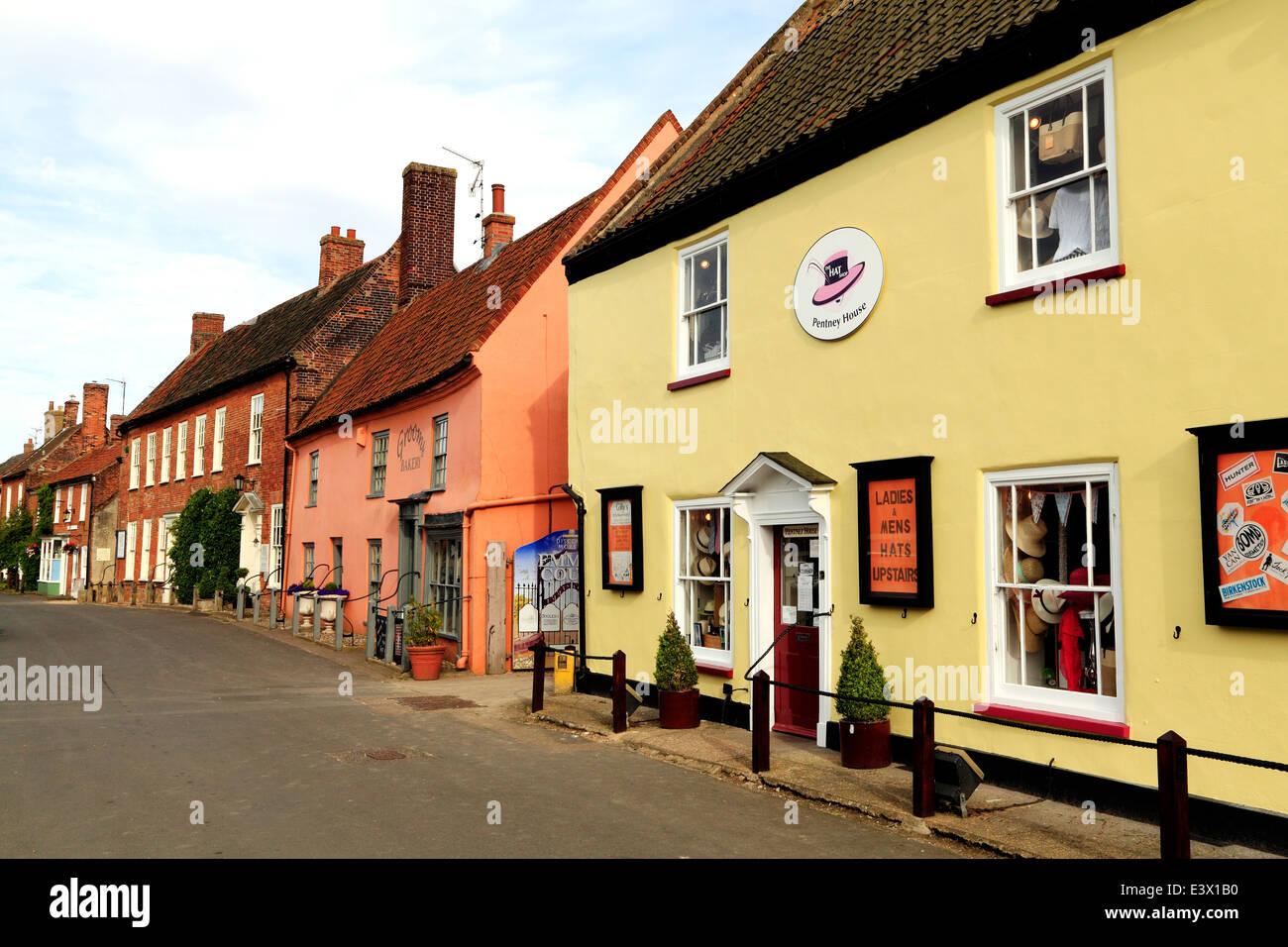 Burnham Market, georgianischen Gebäuden, Geschäften einkaufen Norfolk England UK Stockbild