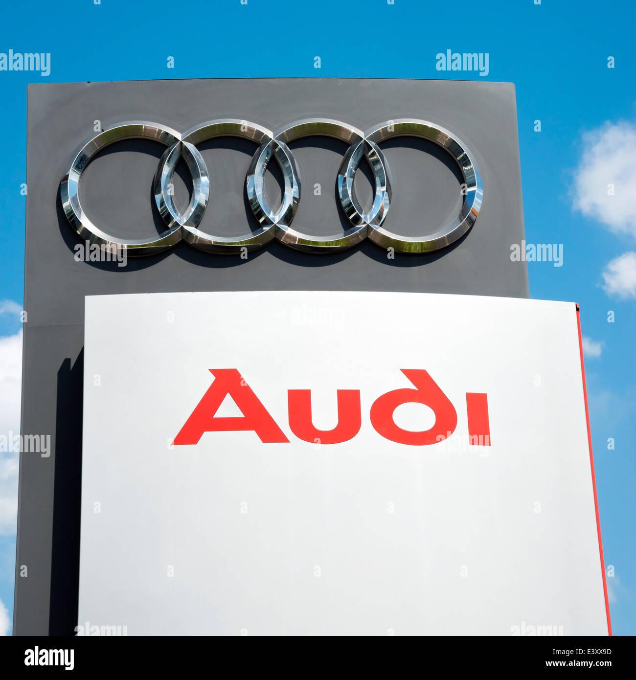 Audi Autohaus Autokennzeichen, UK. Stockbild