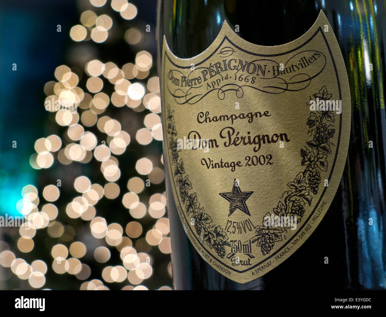 Dom Perignon Champagne Vintage Stockfotos & Dom Perignon Champagne ...