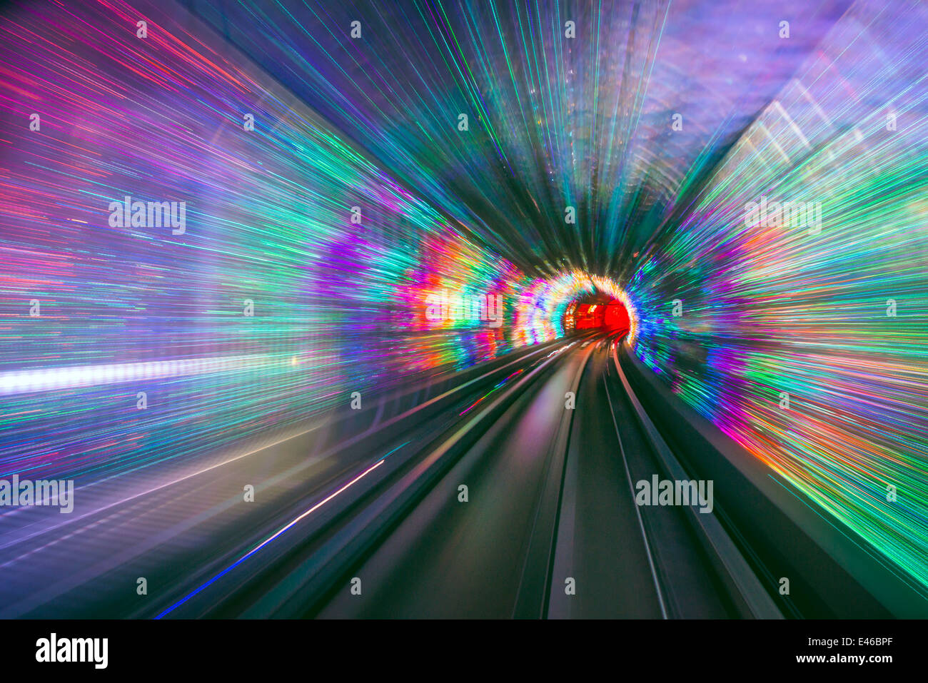 Sightseeing Tunnelleuchten unter dem Huangpu River in Shanghai, China. Stockbild