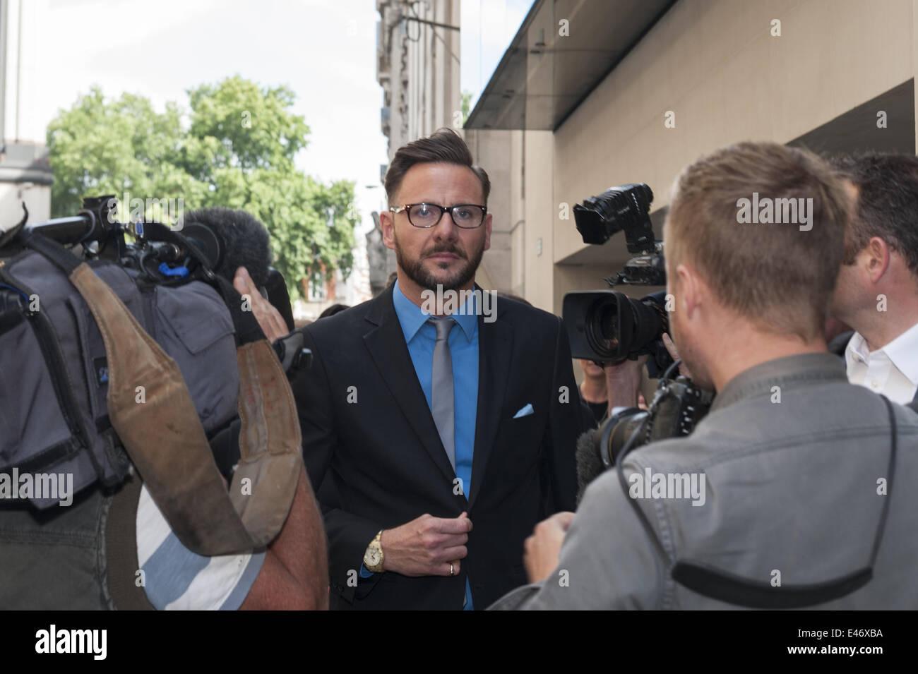 4. Juli 2014 - London, UK - Glenn Mulcaire, der ehemalige Privatdetektiv beauftragt mit hacking, erhielt eine Bewährungsstrafe Stockbild