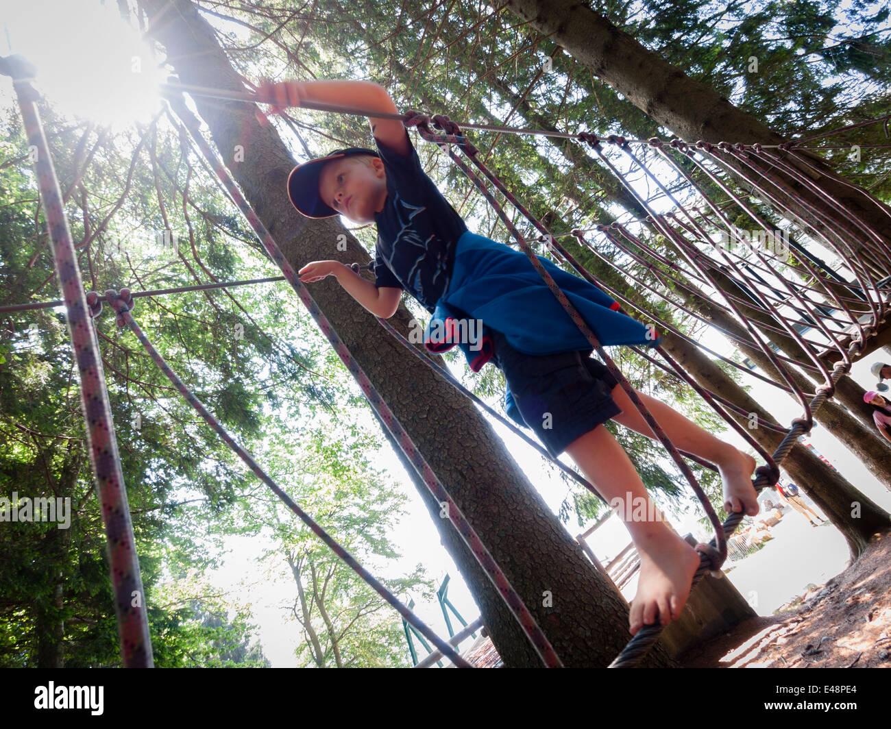 Klettergerüst Aus Seilen : Klettergerüst seilspielgerät kletternetz klettergerät