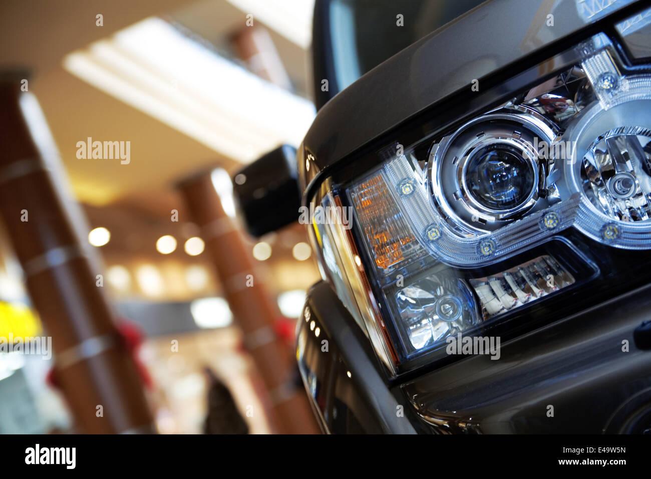Scheinwerfer von modernen Auto Stockfoto