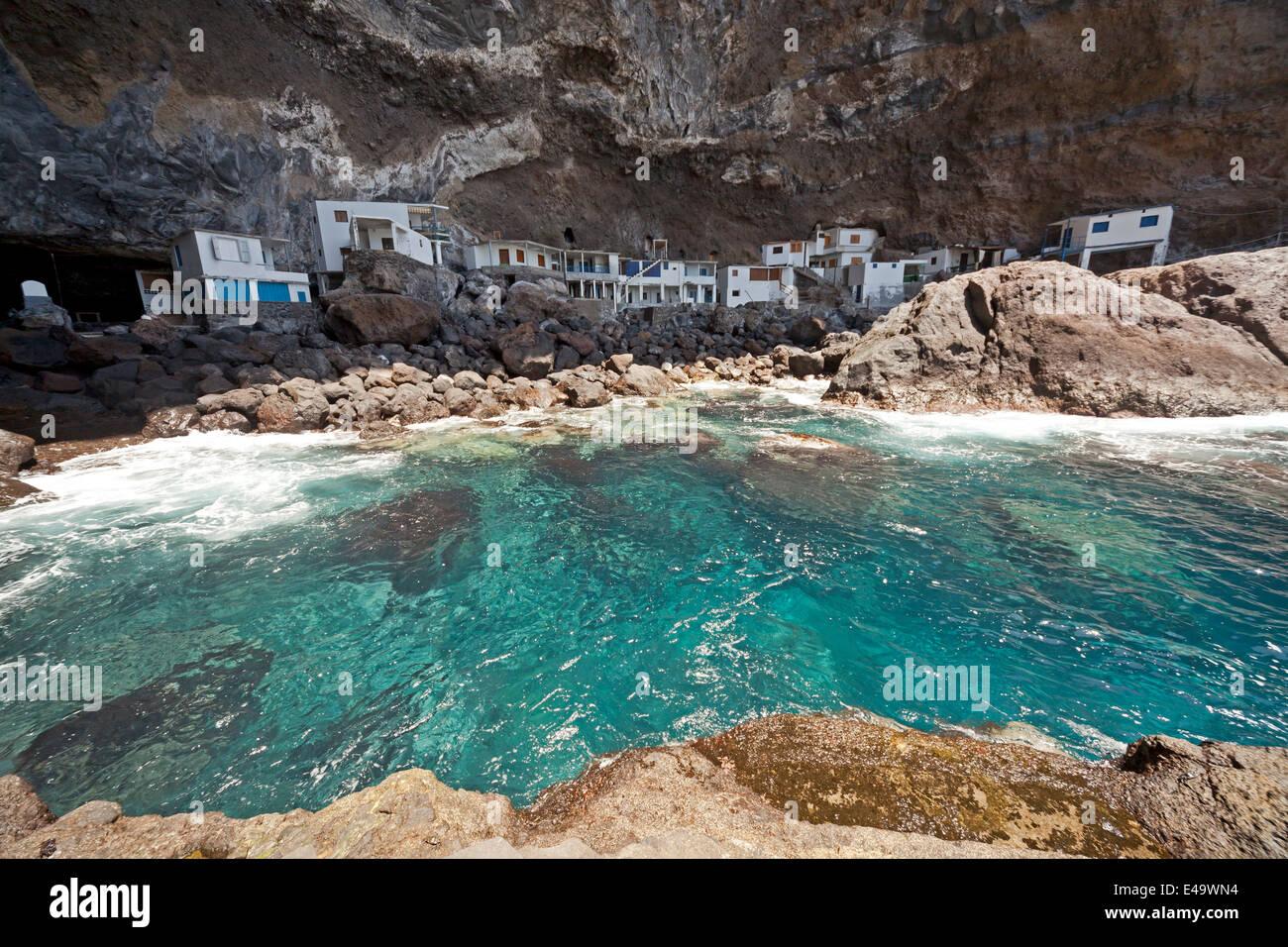 Fishermens Häuser an der versteckten Pirat Bucht in der Nähe von Tijarafe, La Palma, Kanarische Inseln, Stockbild