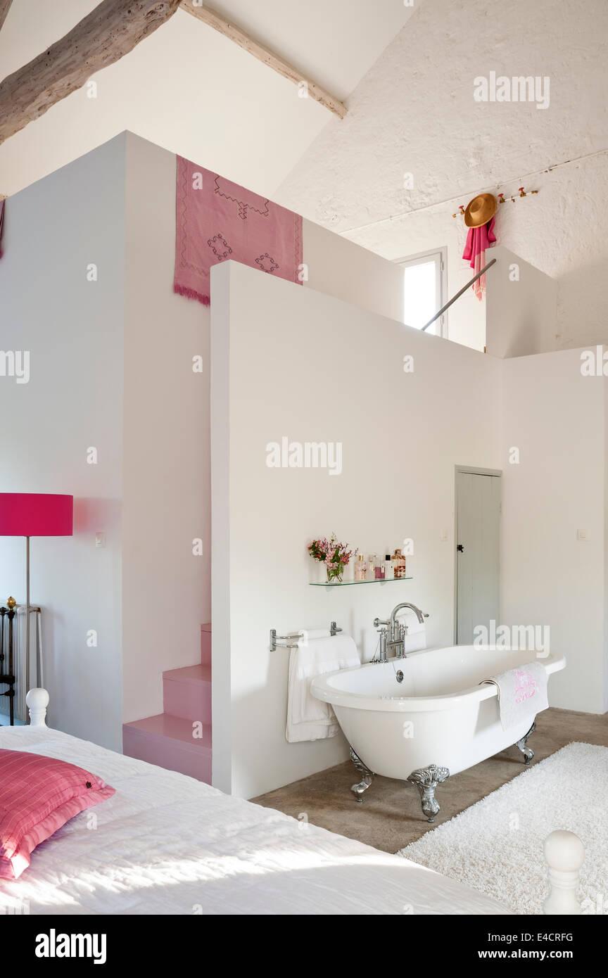 Freistehende Badewanne Schlafzimmer – vitaplaza.info