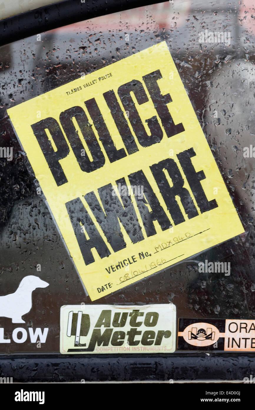 Polizei Bewusst Aufkleber Auf Autoscheibe Stockfoto Bild