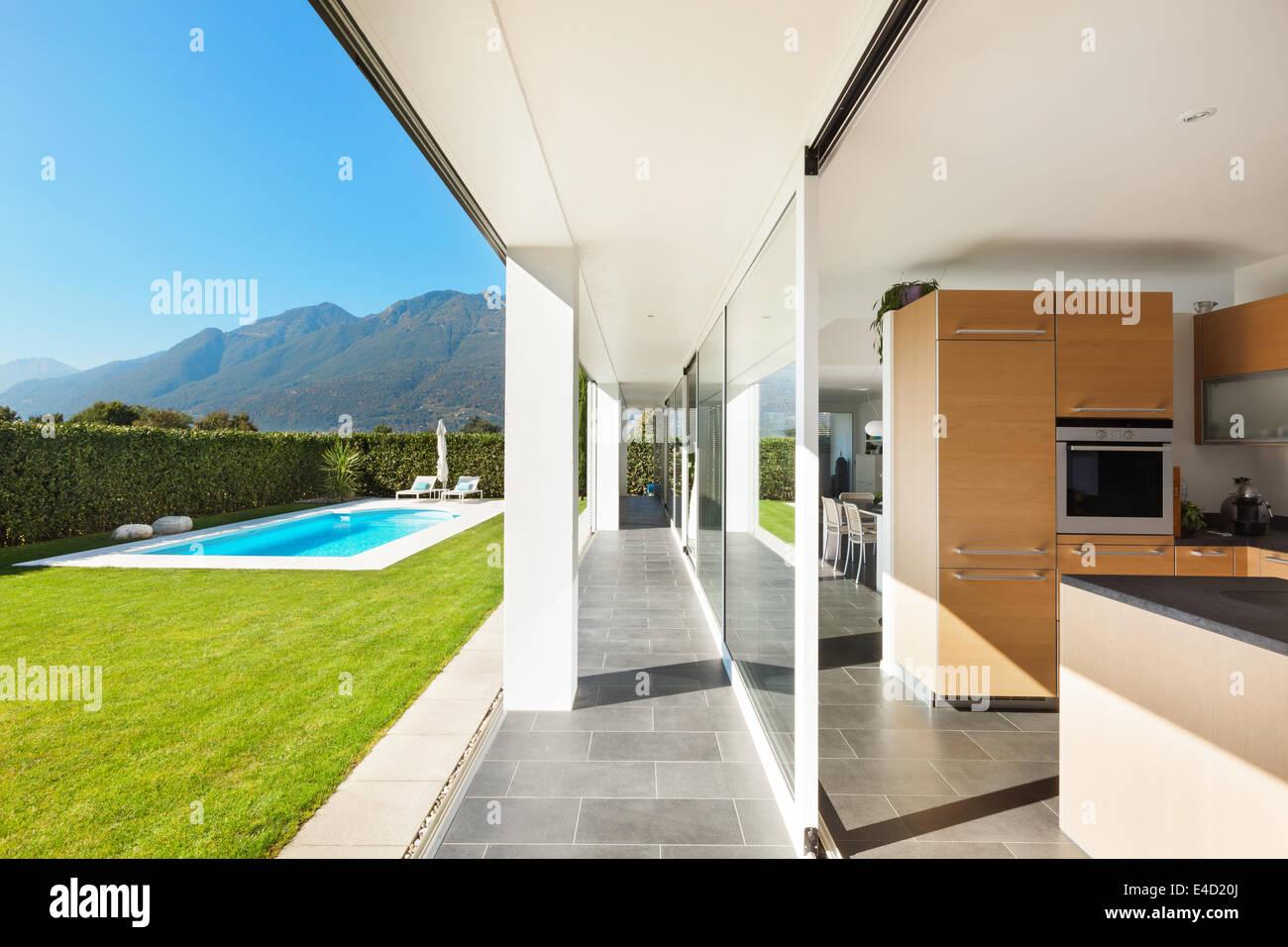 Moderne Villa, Interieur, schöne Küche Stockfoto, Bild: 71587058 - Alamy