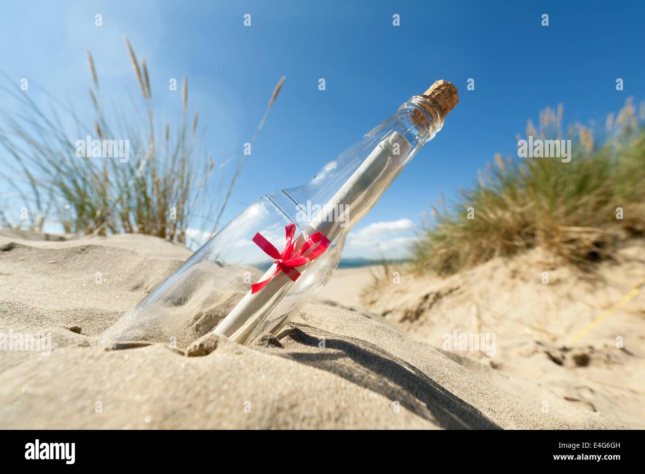 Eine Flaschenpost Stockbild