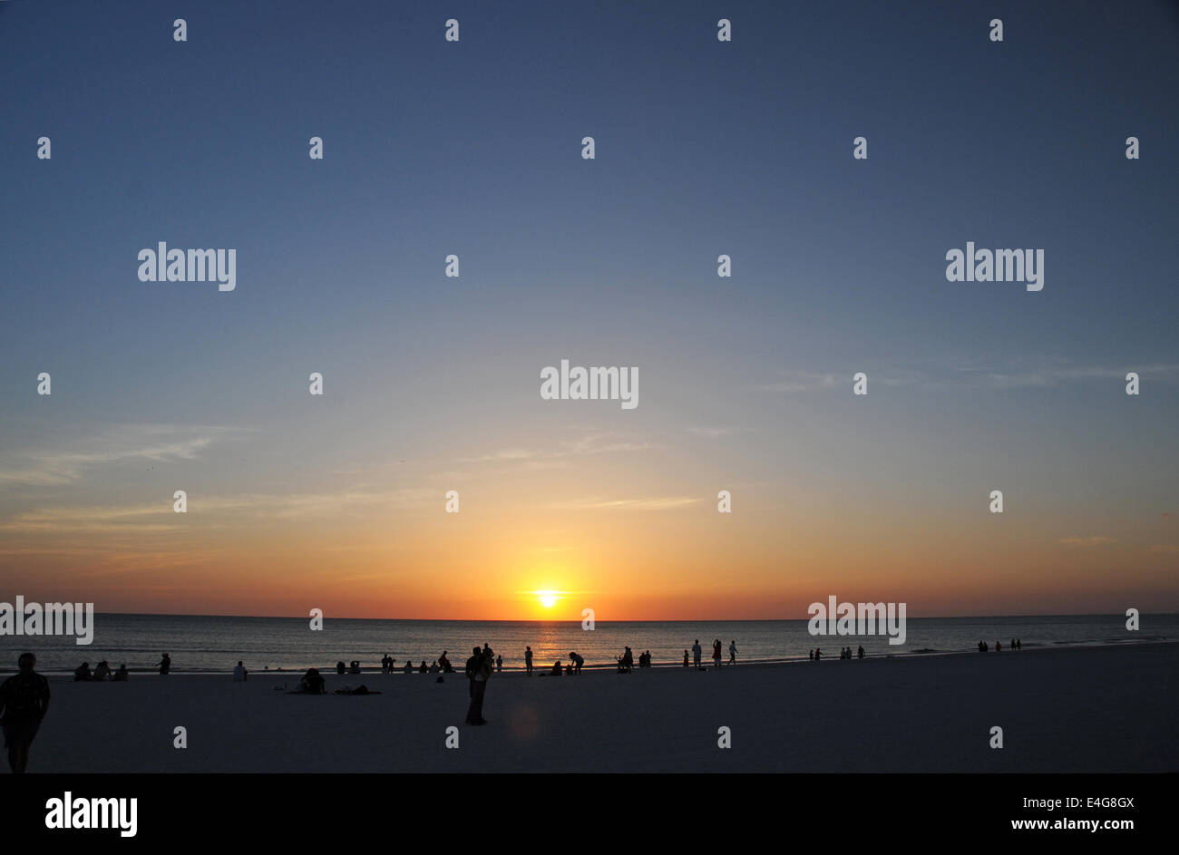 USA Florida Marco Island Sonnenuntergang Menschen Strand Stockbild