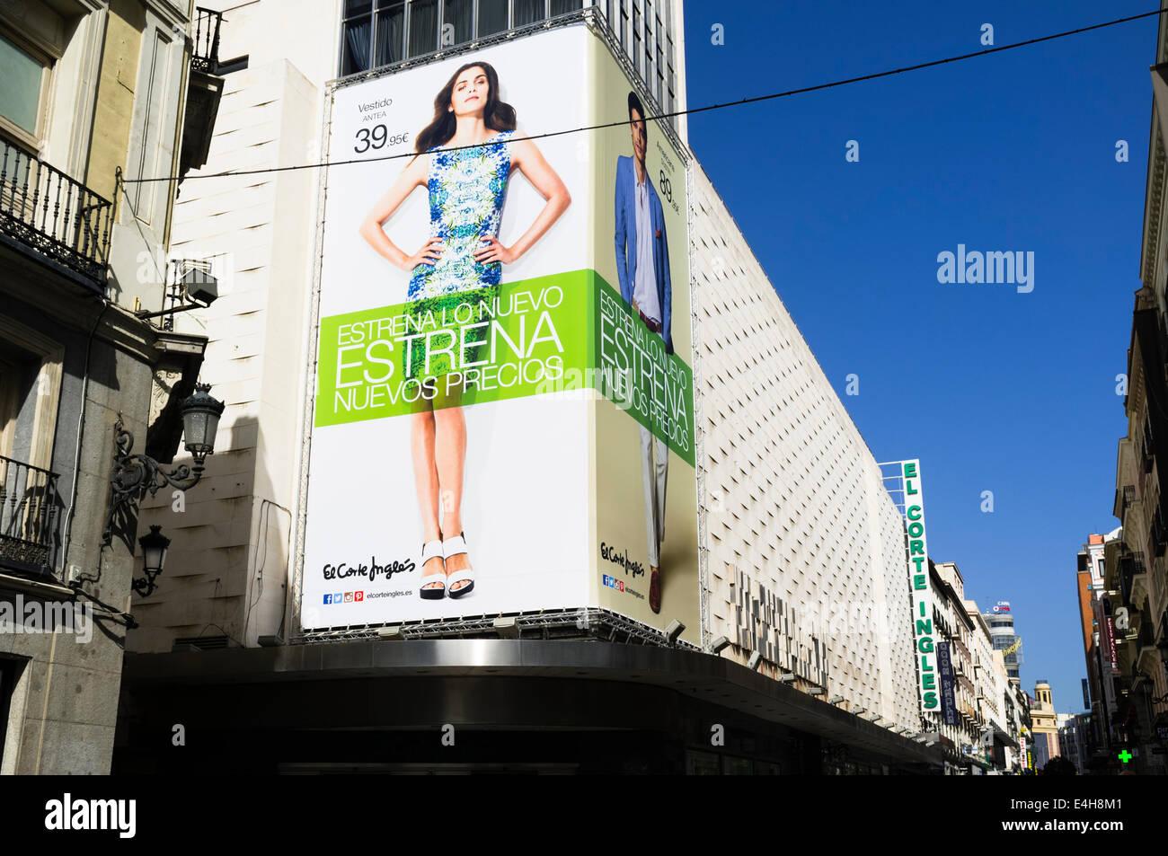 El Corte Ingles Einkaufszentrum in der Calle Preciados, Madrid, Spanien Stockbild
