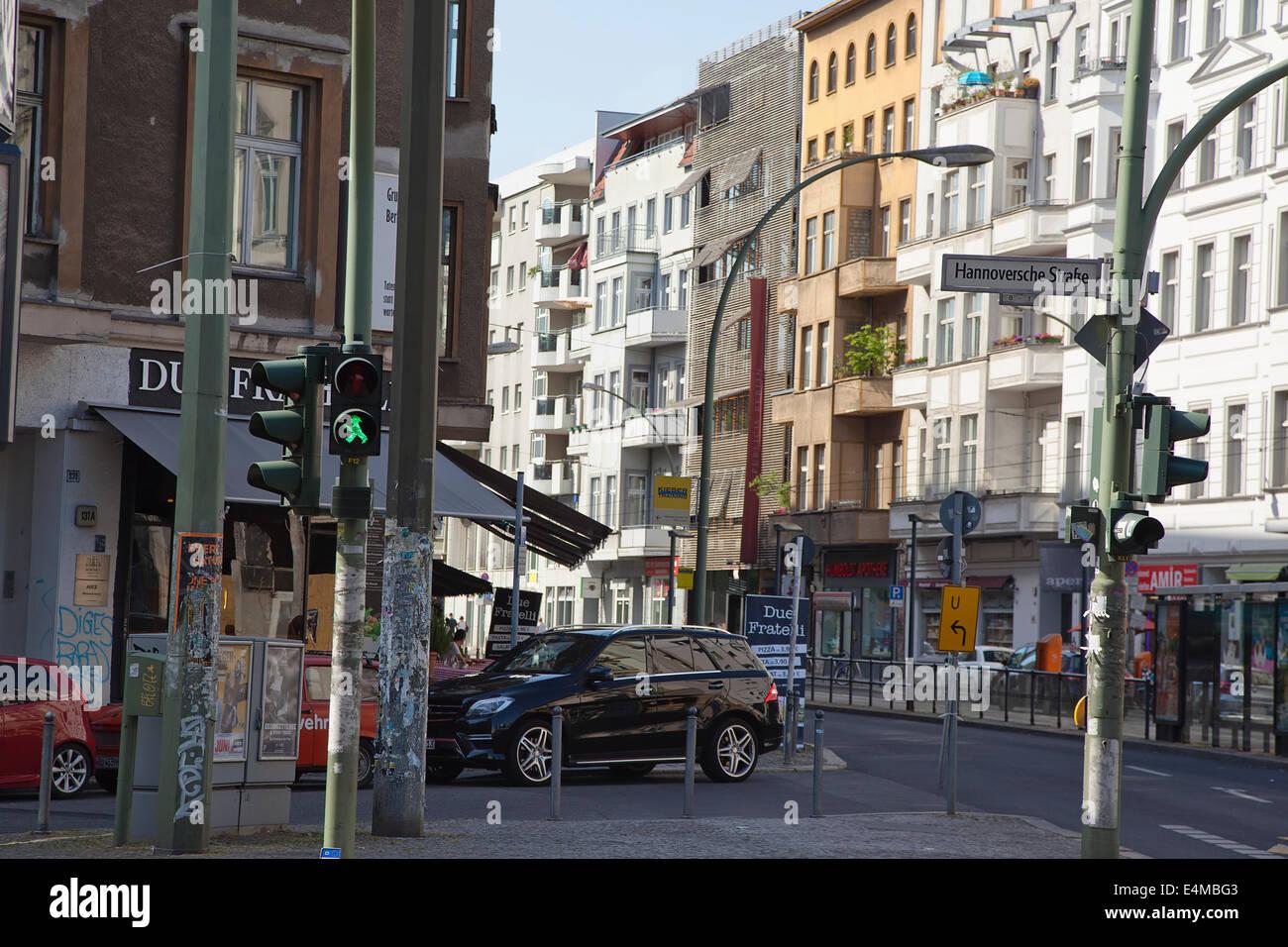 Deutschland, Berlin, Mitte, Ampelmann Kreuzung Schild an der Kreuzung der Hannoversche Straße und Freidrichstrasse. Stockfoto