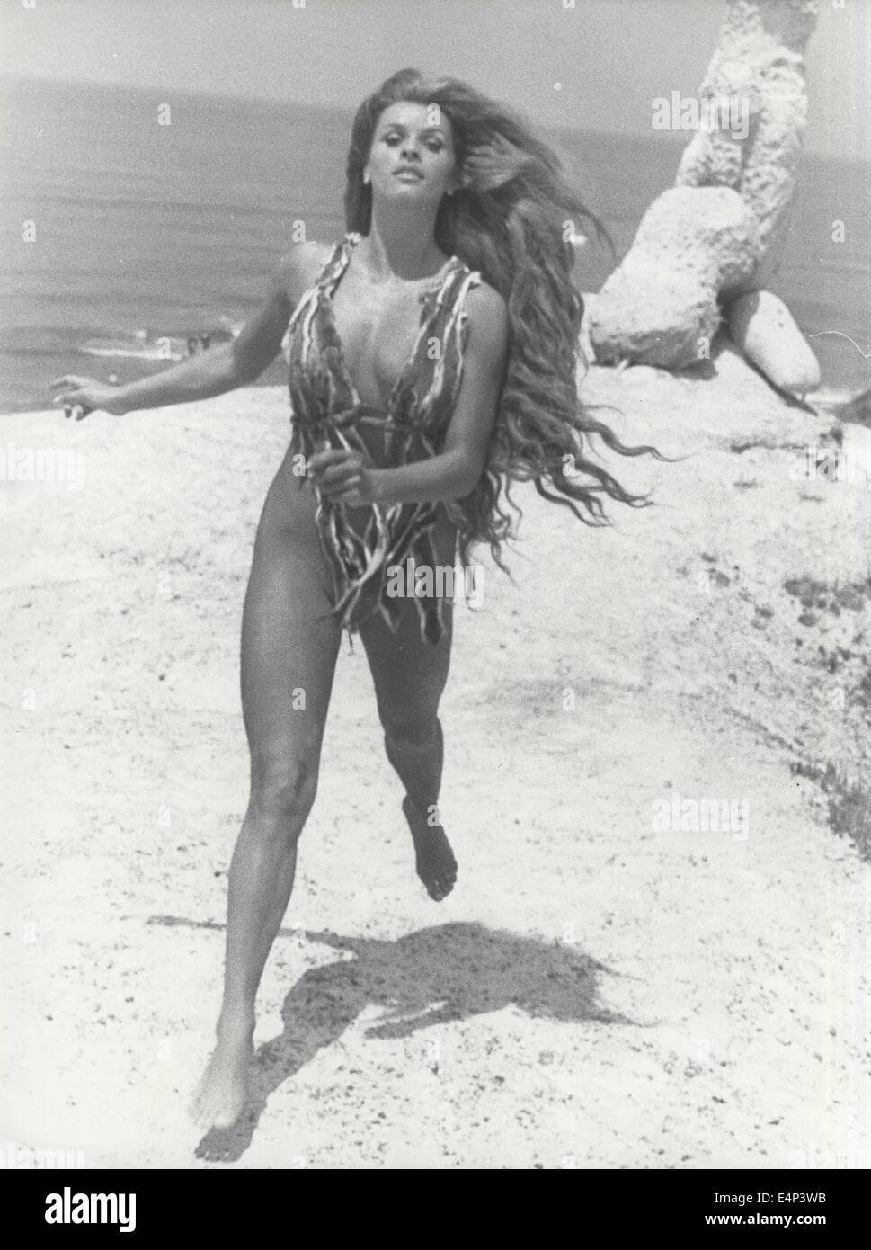 SENTA BERGER. Wenn Frauen Tails hatte. © Interfoto/Globe Fotos/ZUMA ...