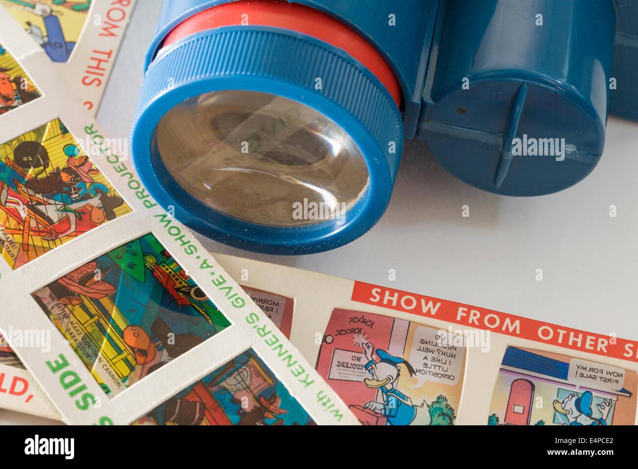 Kenner der Give-a-Show Projektor. Batteriebetriebenes Spielzeug Projektor mit einer Auswahl von Cartoons für Stockbild