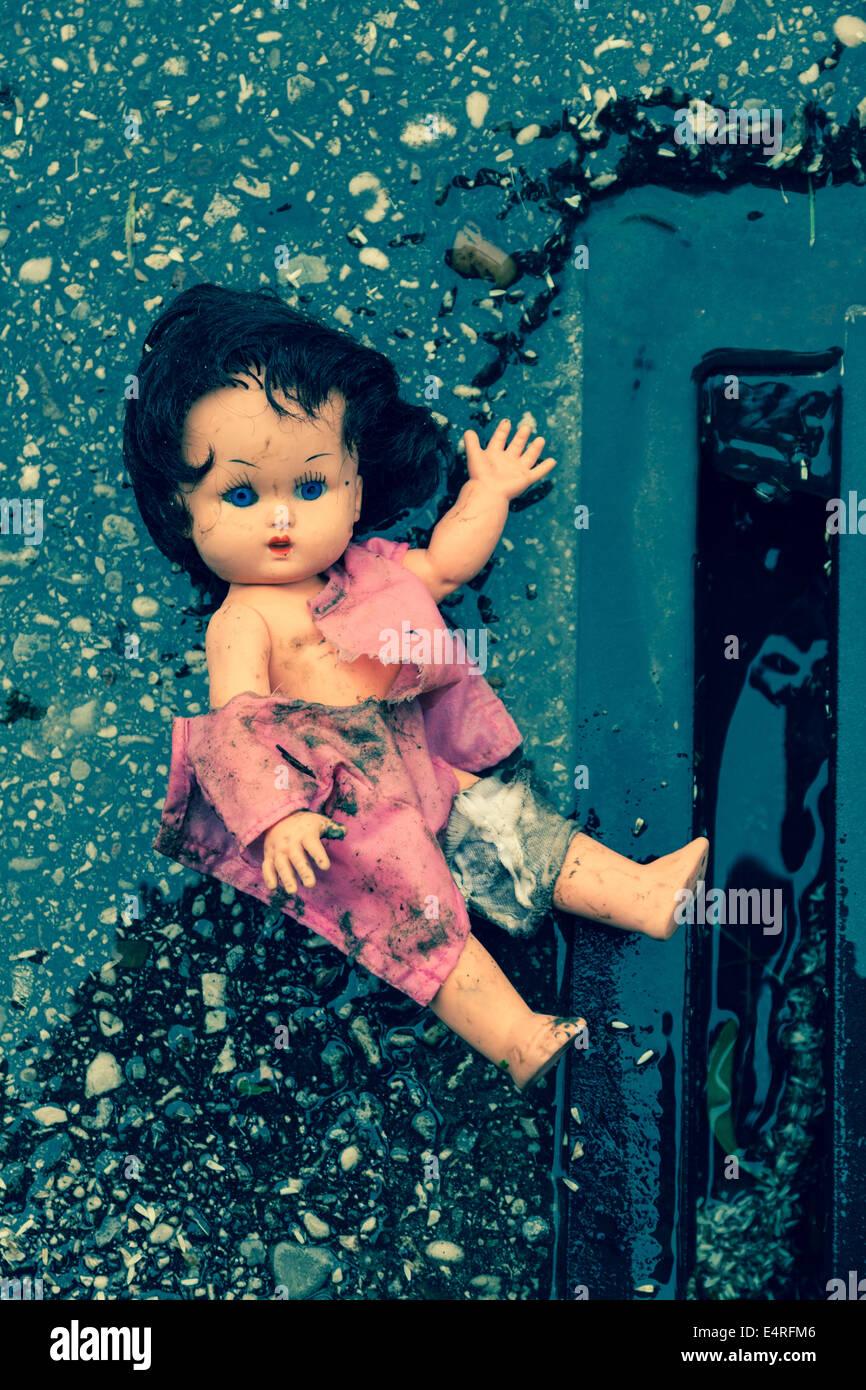Misshandlung von Kindern als symbolische Foto. Kindesmissbrauch und macht in der Familie, Misshandlung von Kindern Stockbild
