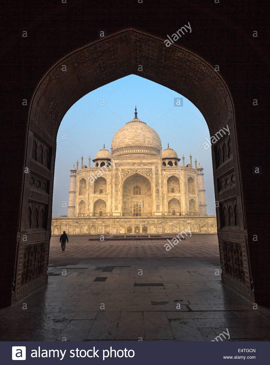 Das Taj Mahal bei Sonnenaufgang in Agra, Indien Stockbild