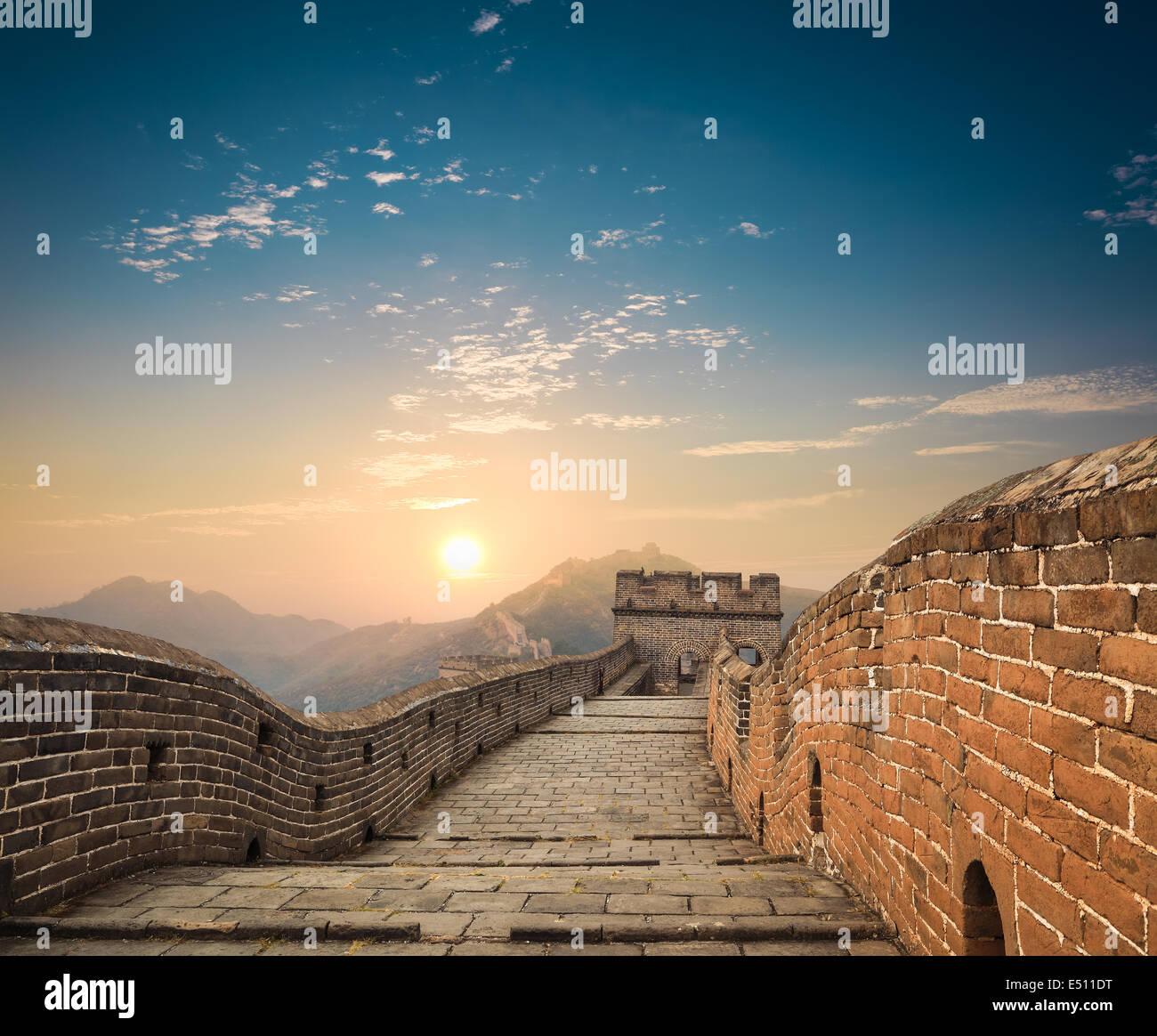 die große Mauer in der Abenddämmerung Stockbild