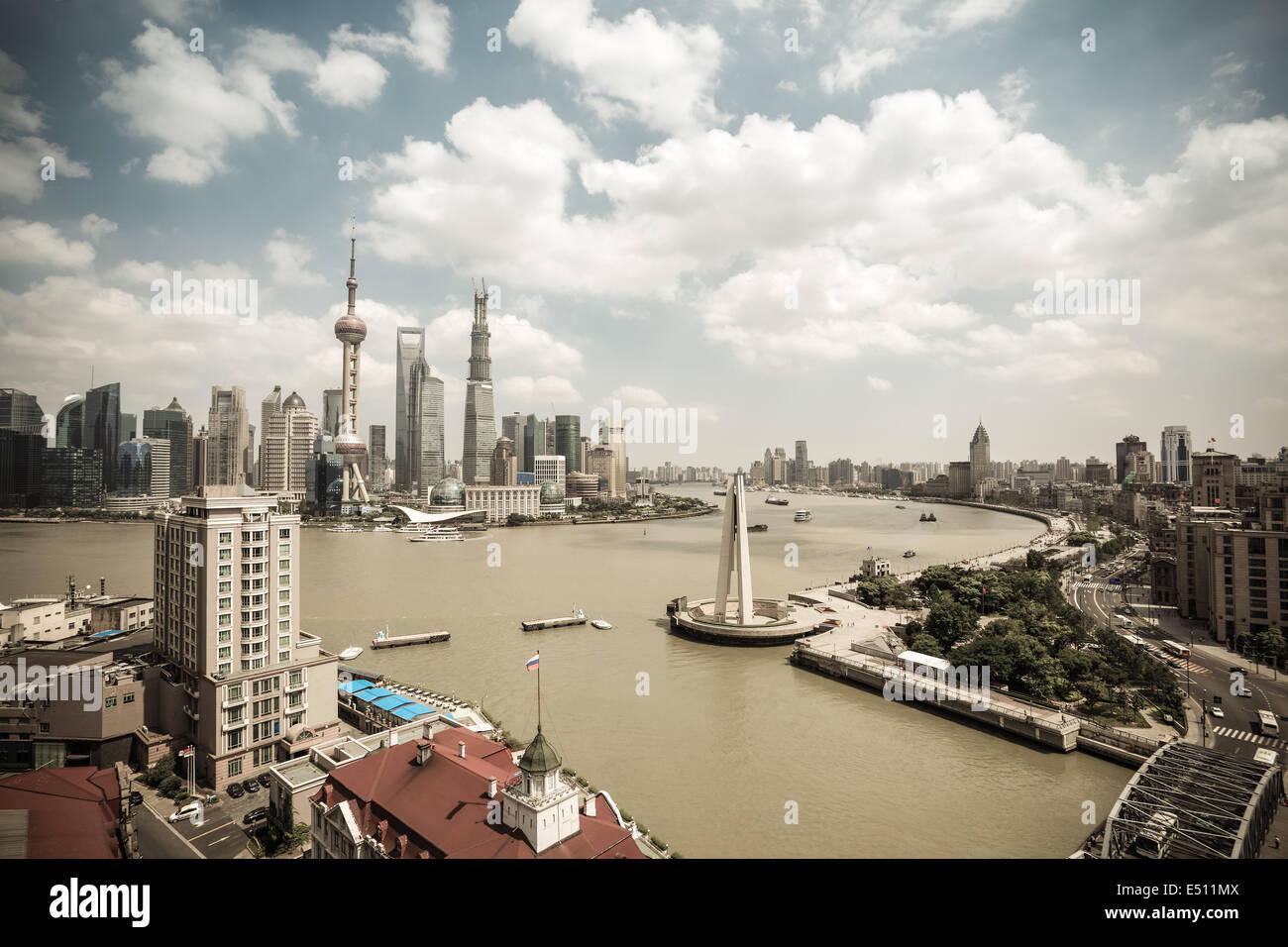 Shanghai Skyline tagsüber Stockbild