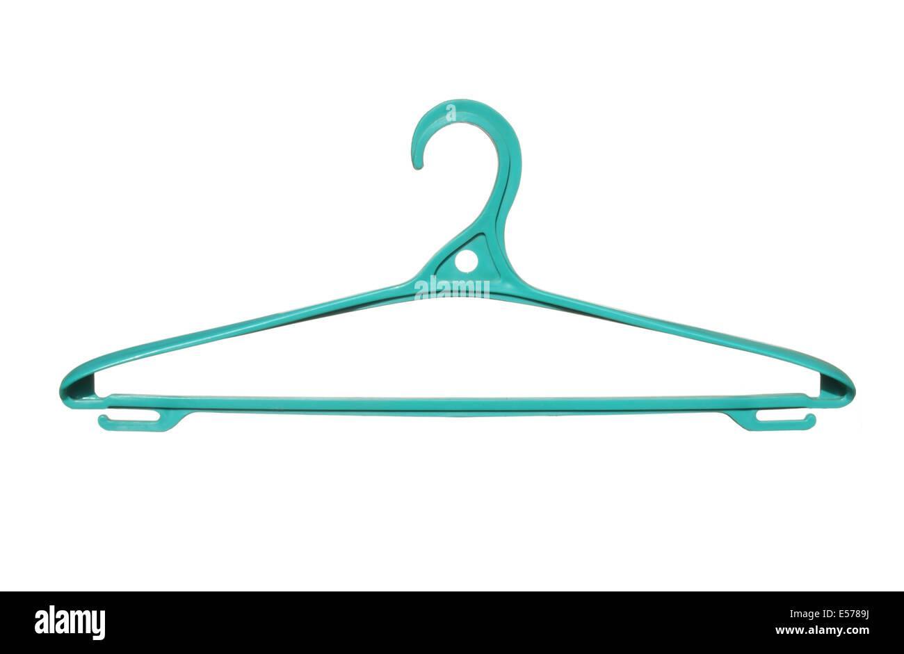Kunststoff Kleiderbügel grün isoliert auf weißem Hintergrund. Stockfoto