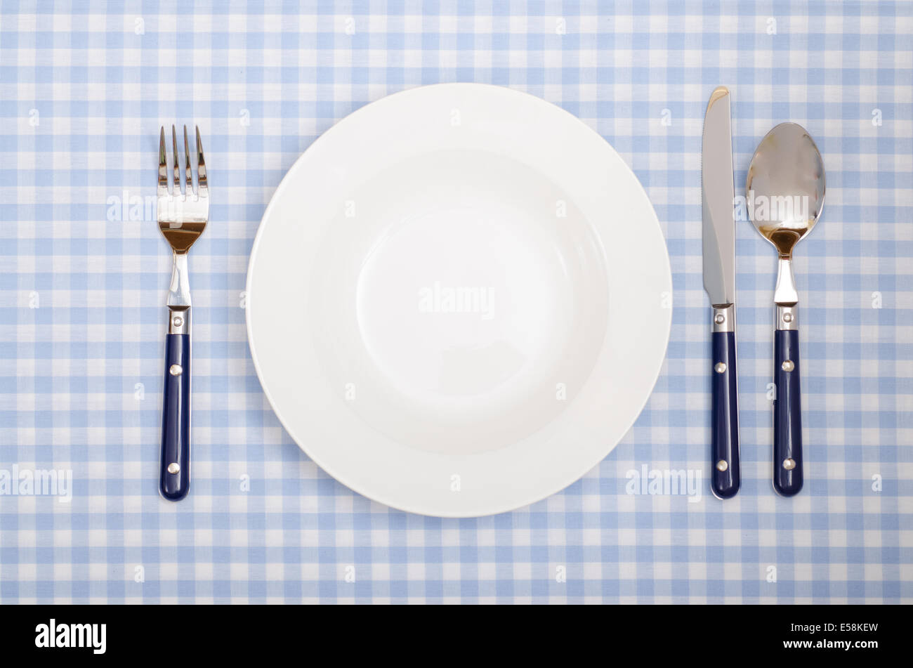 checked table cloth restaurant stockfotos checked table cloth restaurant bilder alamy. Black Bedroom Furniture Sets. Home Design Ideas