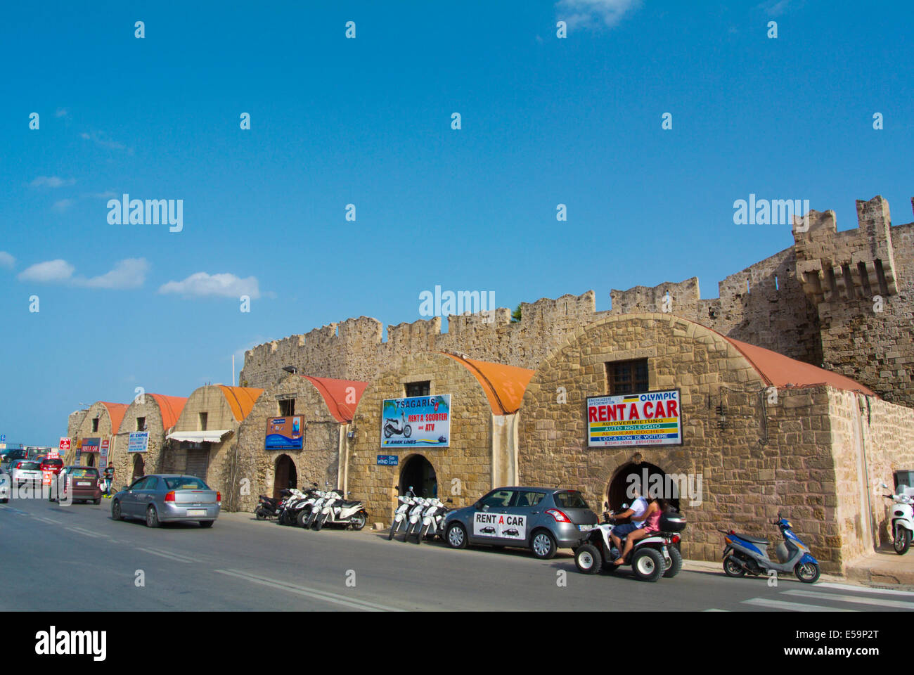 Reisebüros und Fahrzeug Vermietung Orte von touristischen Hafen, Rhodos, Insel Rhodos, Dodekanes, Griechenland, Stockbild