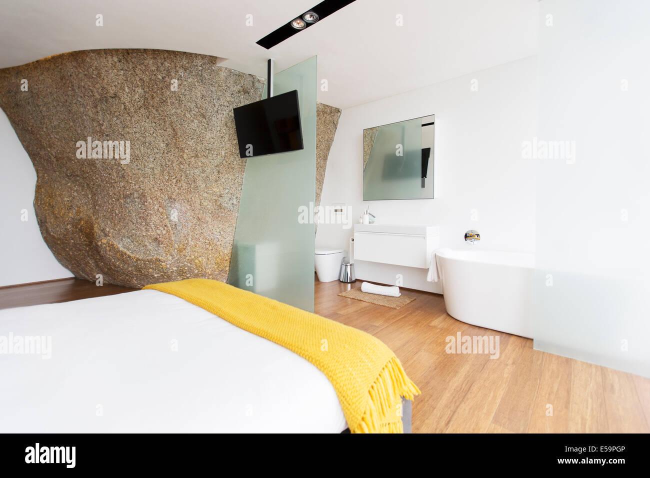 -Schiebe-Glastür von en-suite Badezimmer Stockbild