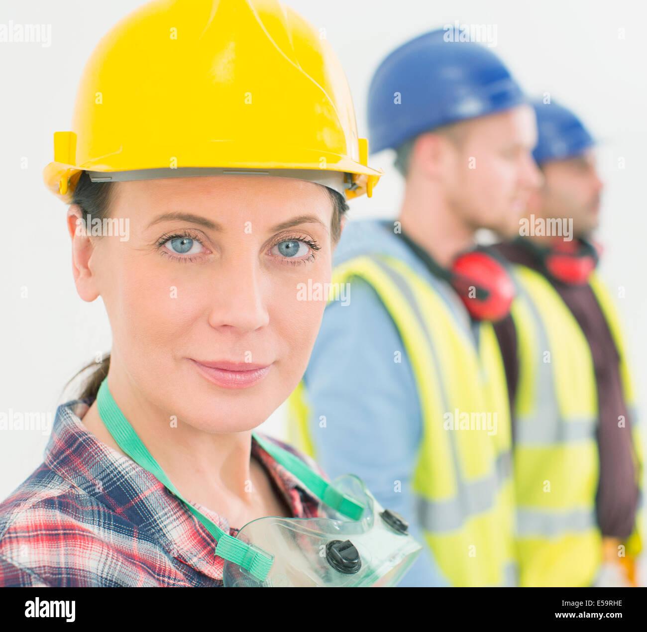 Porträt von zuversichtlich Bauarbeiter Stockbild