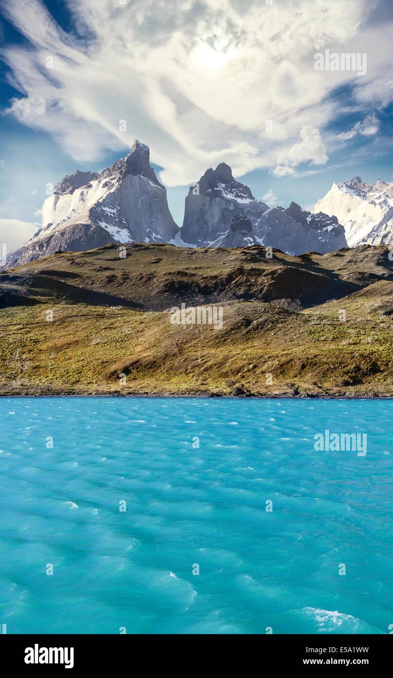 Pehoe Bergsee und Los Cuernos, Torres del Paine Nationalpark, Chile. Stockbild