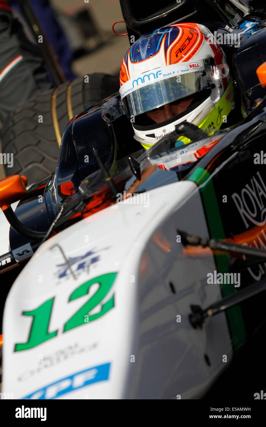 Magyorod, Hungaroring, Ungarn. 25. Juli 2014. GP2 und GP3 Rennserie am Hungaroring. Jon Lancaster aus Hilmer Motorsport Stockbild