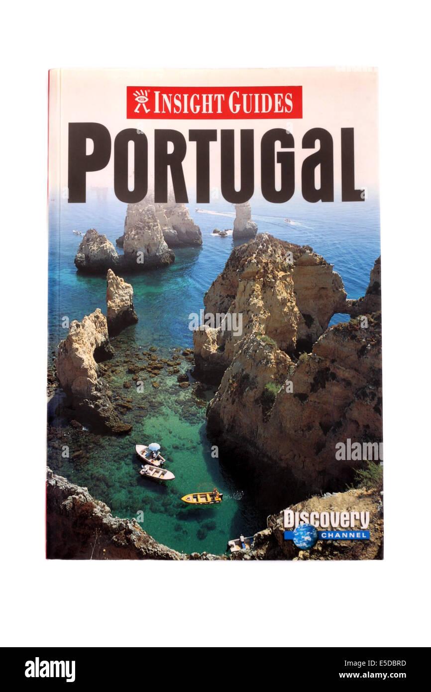 Insight Guides Reisen buchen nach Portugal auf einem weißen Hintergrund. Stockbild