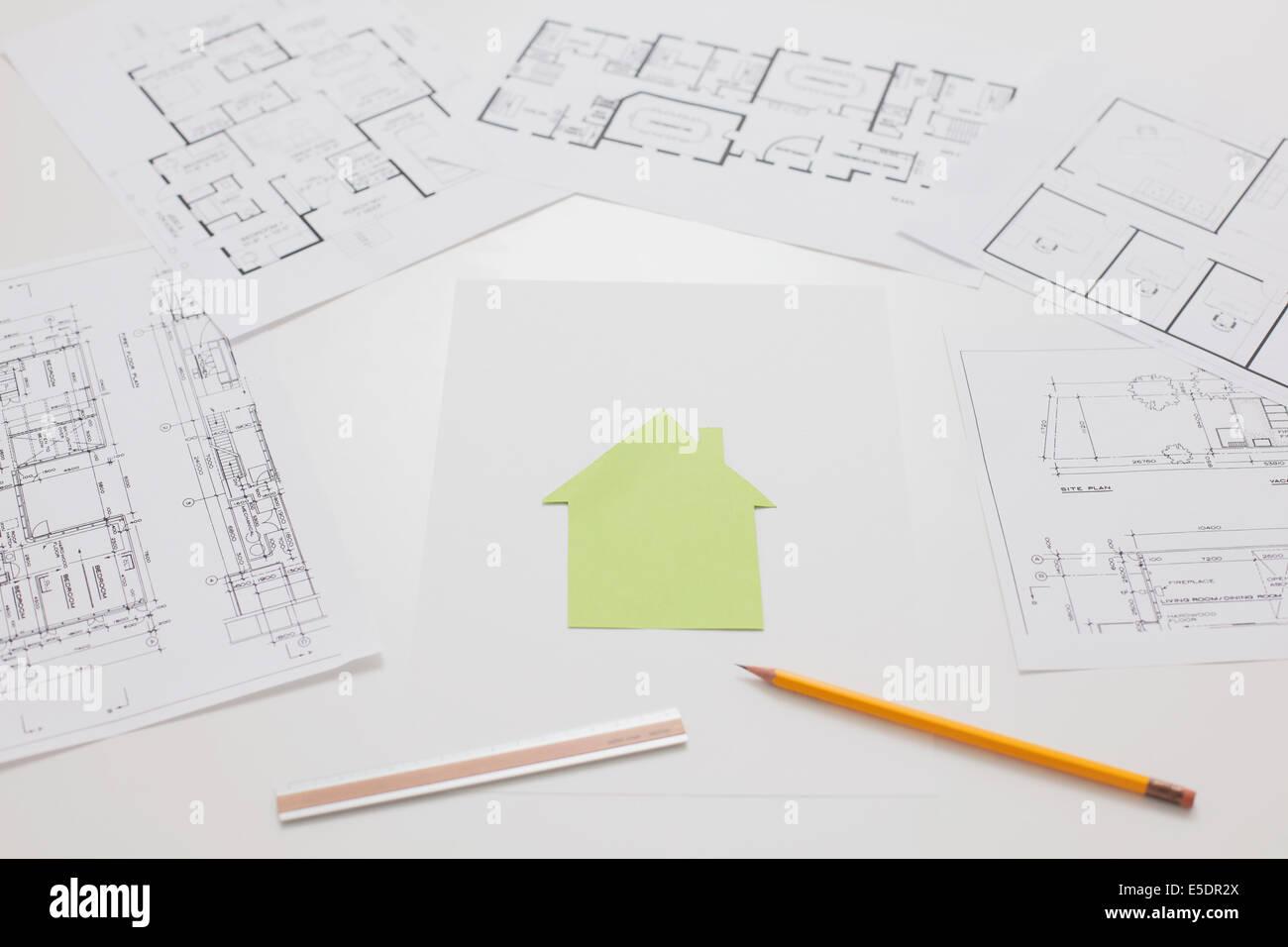 Beautiful Haus Konstruktionszeichnungen Auf Weißen Tisch Stockbild