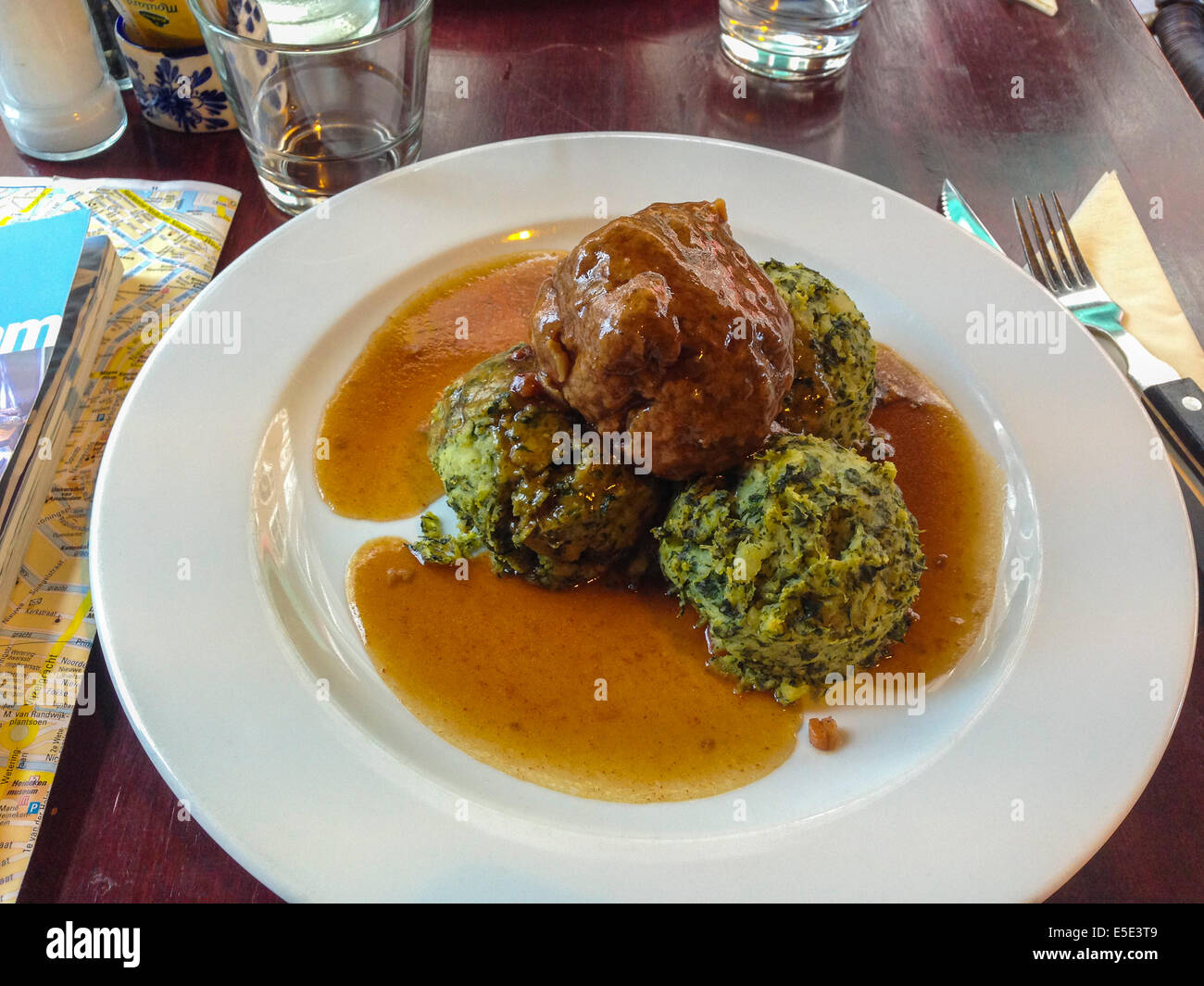 Amsterdam, Holland, Niederlande, Essen Auf Eine Platte, Traditionelle Niederländische  Küche Pantry Restaurant