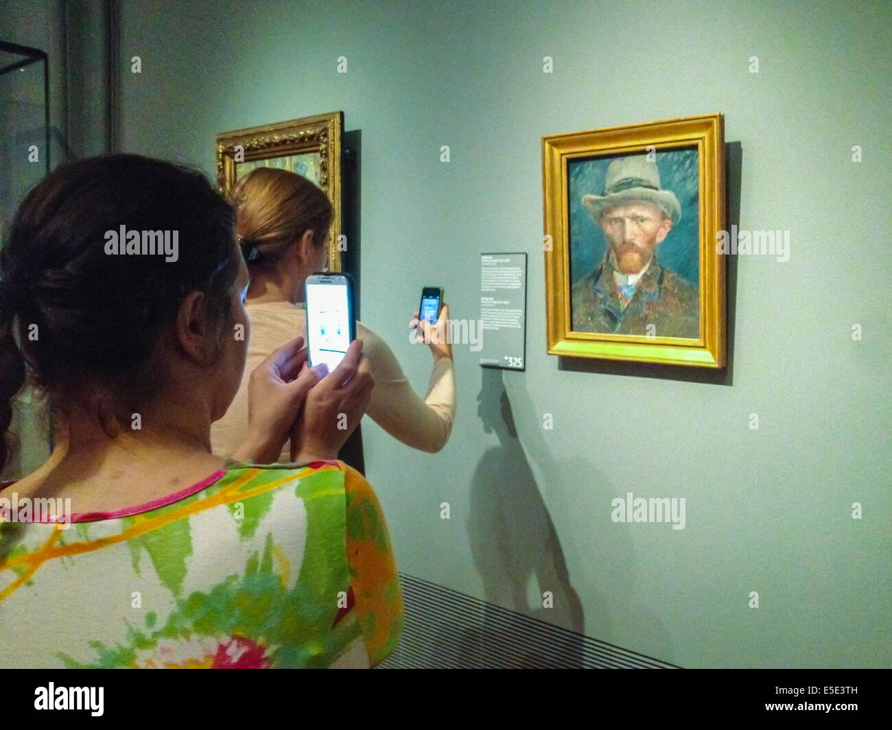 Amsterdam holland niederlande touristen fotos inside art