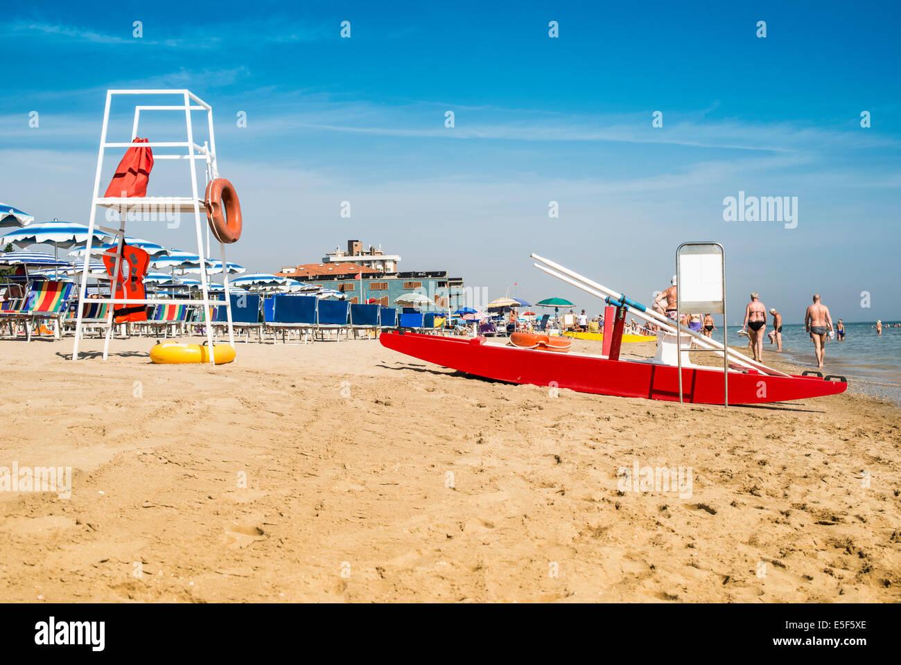 Lifesaver Jacket Stockfotos Bilder Seite 3 Alamy Peugeot Wiring Diagrams Mhh Sicherheits Ausrstung Am Strand Schwimmweste Und Grtel Stockbild